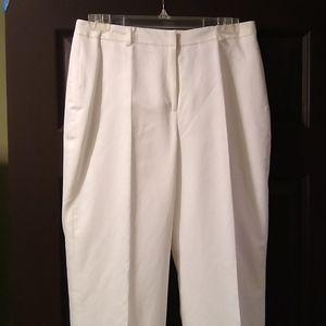 Louben white cotton and linen slacks, size 8.